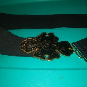 Black and gold stretch flower belt clasp size 32""